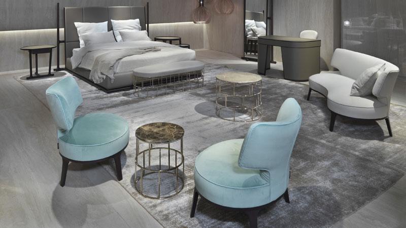 Lit et Miroir Icaro, Canapé et fauteuils Drop, Petites tables Riviera