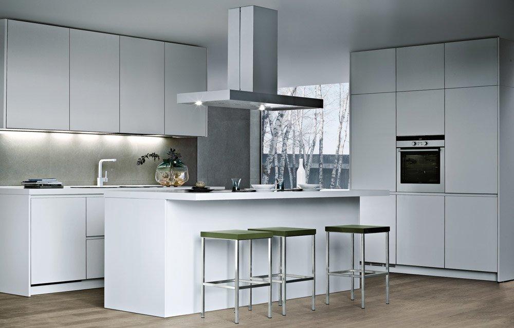 Modular kitchens kitchen alea a by varenna poliform for Poliform kitchen designs