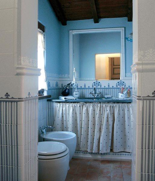 Piastrelle collezione tulipano da ceramica blu for Piastrelle cucina blu
