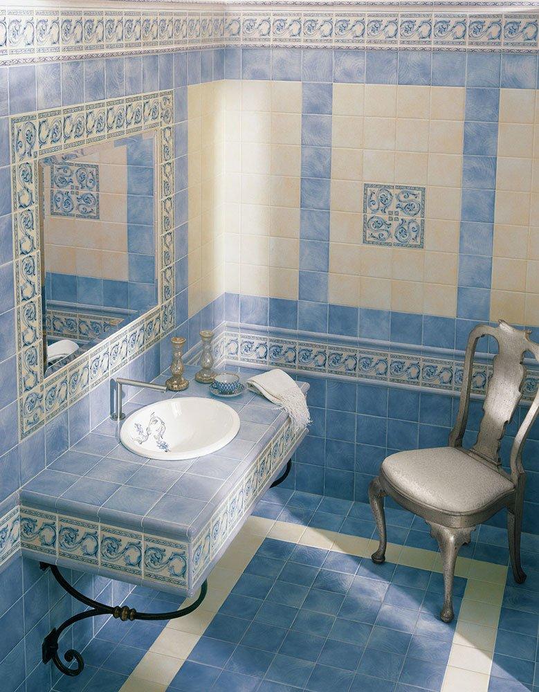 Piastrelle bagno blu e bianche [tibonia.net]