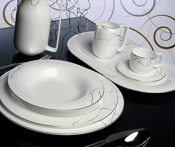 Servizio piatti quadrati tutte le offerte cascare a - Servizio piatti design ...