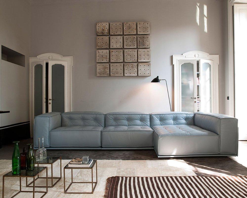Divani con penisola composizione glamour da doimo sofas - Costo rivestimento divano ...