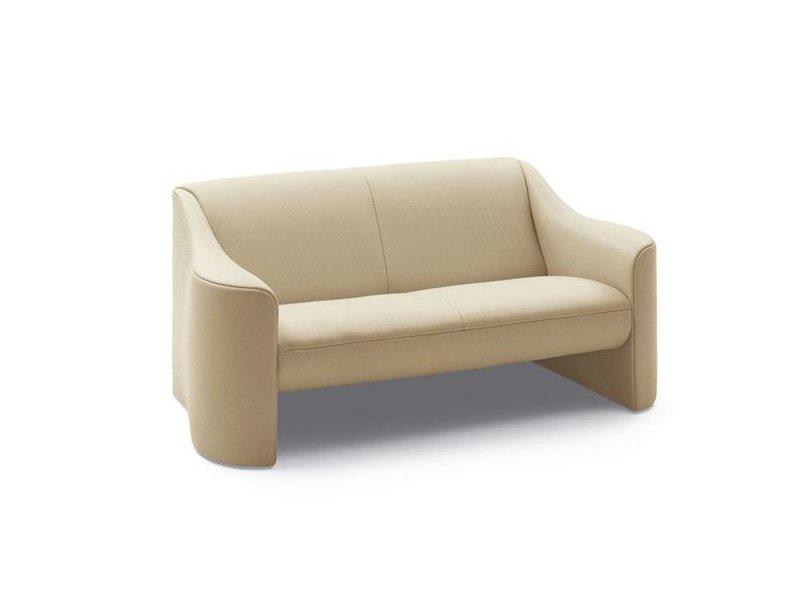 zwei sitzer sofas sofa esquire von matteograssi. Black Bedroom Furniture Sets. Home Design Ideas