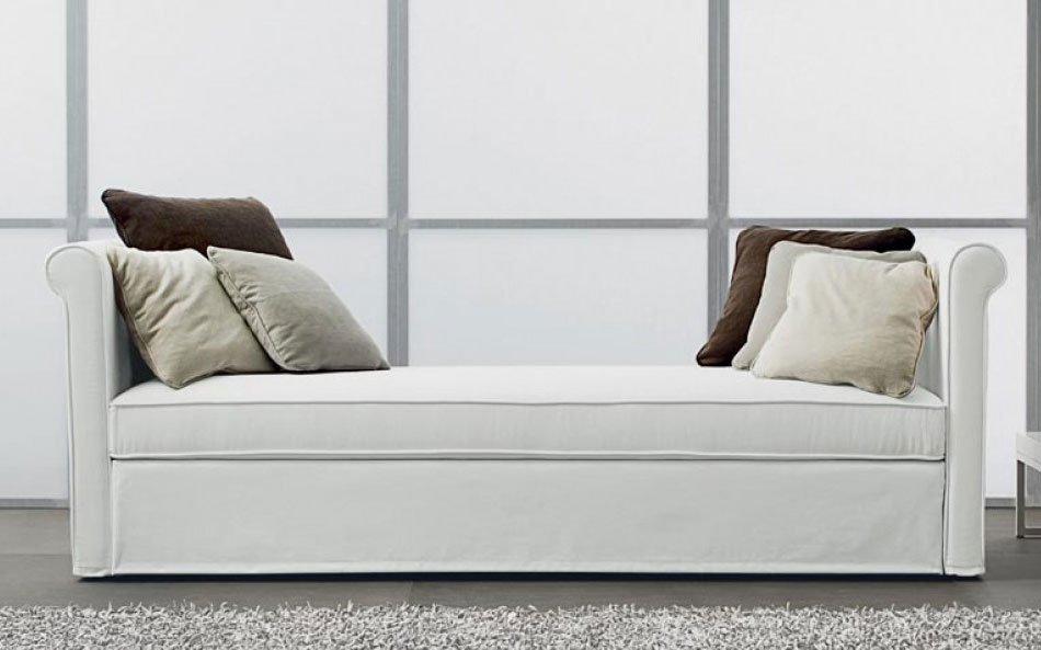Divani letto divano letto yuri da ventura for Divani letto trento