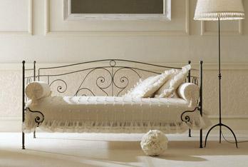 Divani letto divano letto felipe sof da giusti portos for Divano letto bolzano
