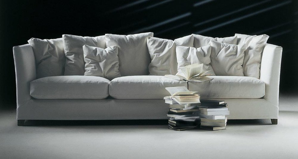 Divani tre posti divano victor da flexform for Rivestimento divani flexform