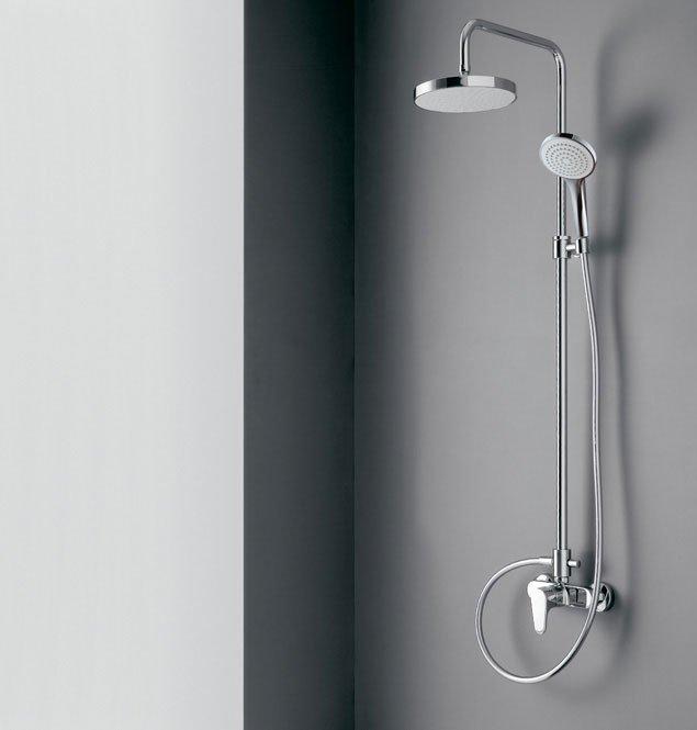 Gruppi doccia e vasca gruppo doccia cleo da rubinetterie for Gruppo doccia