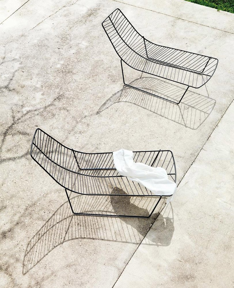 sun beds and chaise longue chaise longue leaf by arper