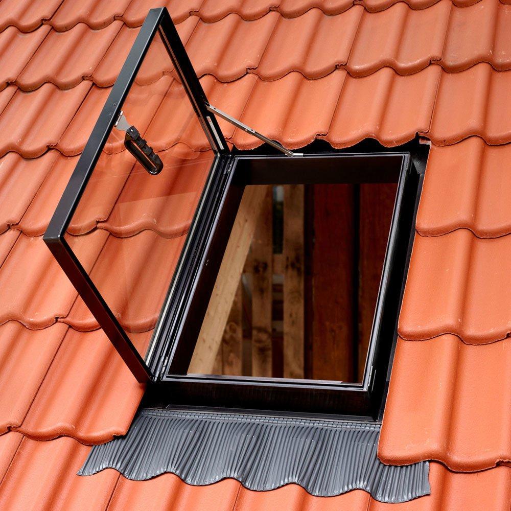 Lucernari lucernario gvt 59 da velux for Misure lucernari per tetti