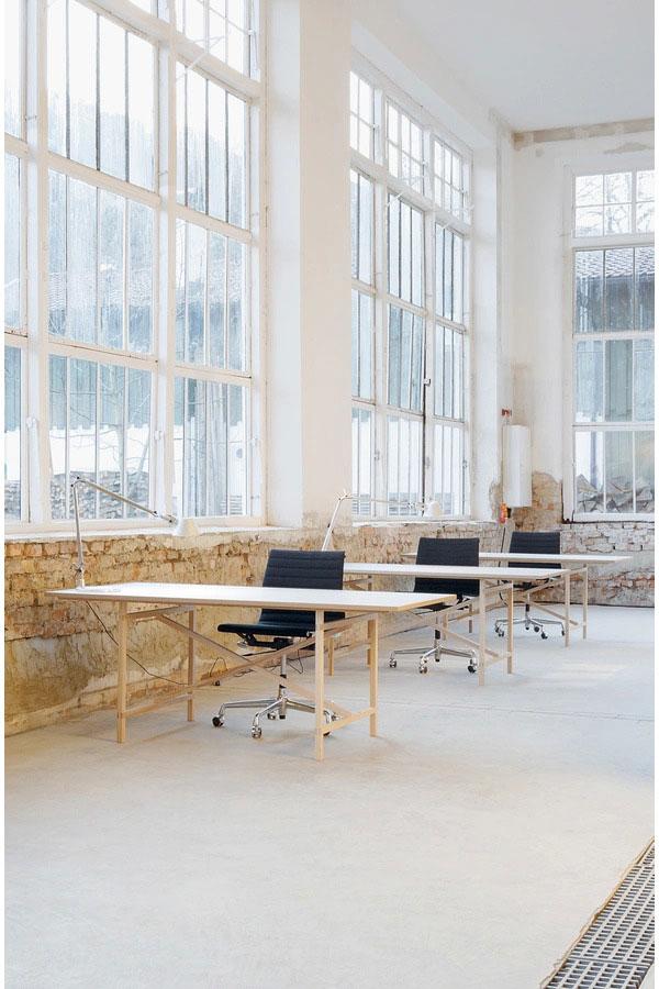 Scrivanie e scrittoi scrivania egon da moormann for Scrivania design outlet