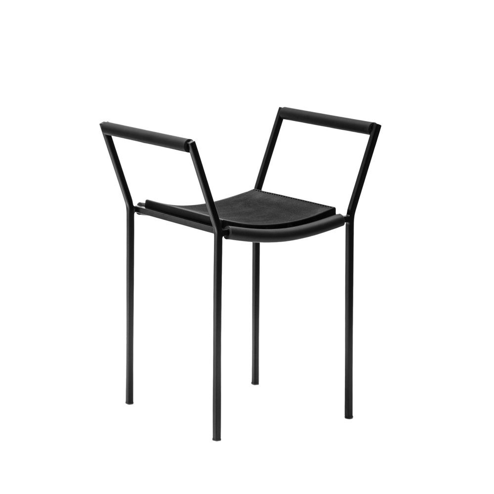Chairs chair savonarola by zeus for Sedie design north america