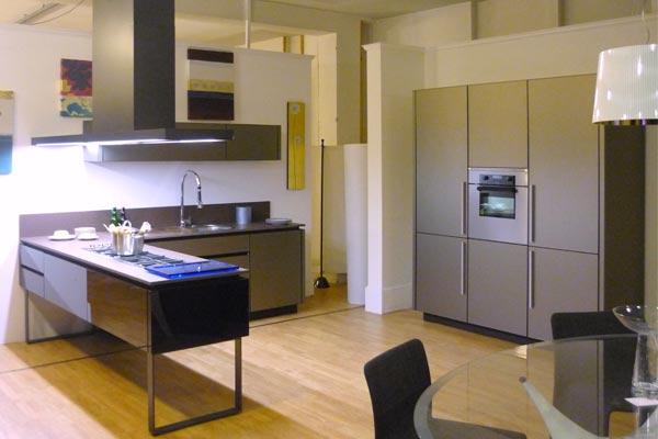 Casa moderna roma italy comodini per camere da letto for Dalani arredamenti
