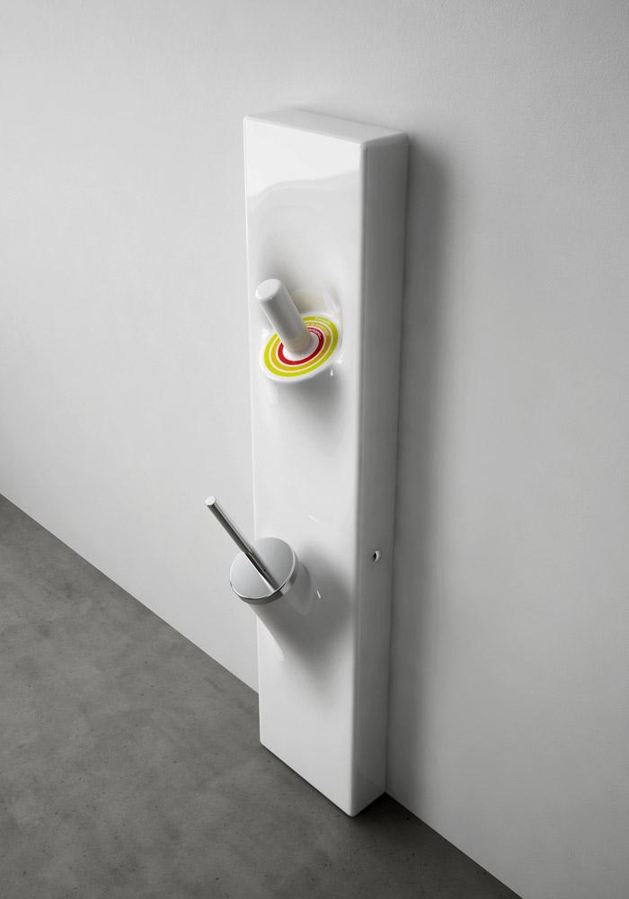Accessori bagno porta scopino sotto sopra da artceram - Porta scopino bagno ...