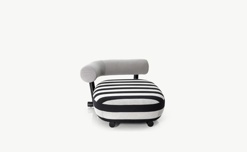 Chaise longue chaise longue pipe by moroso for Chaise longue canada