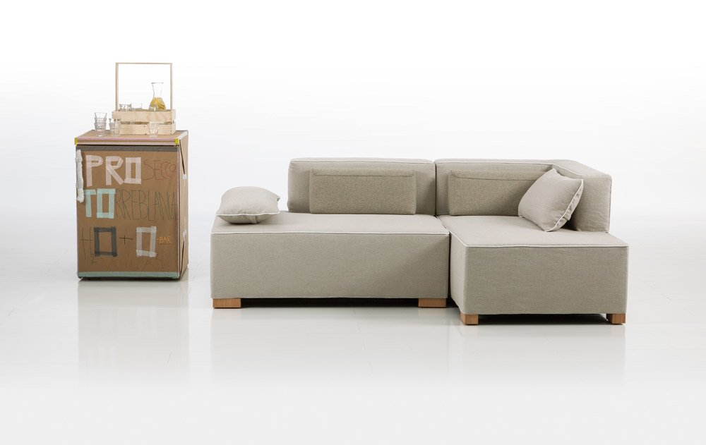 two seater sofas sofa chess by br hl. Black Bedroom Furniture Sets. Home Design Ideas