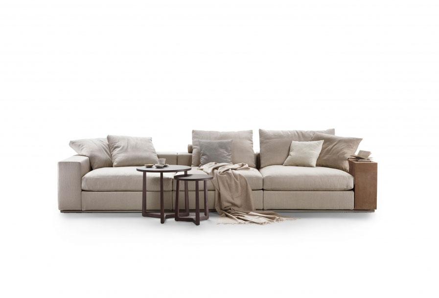 Divani quattro o pi posti divano groundpiece da flexform for Divano quattro posti