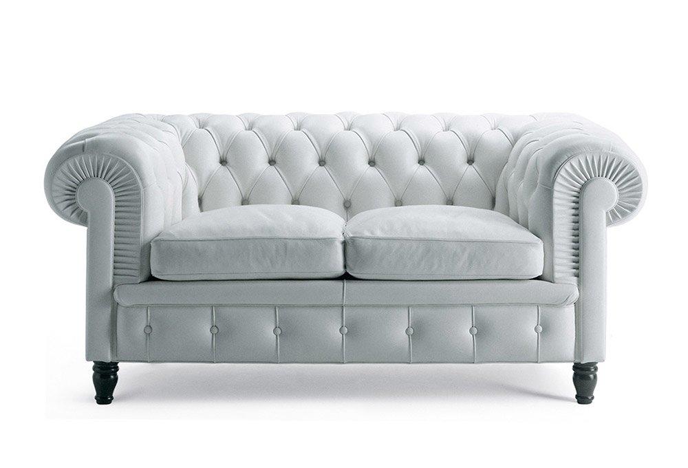 Divani tre posti divano chester da poltrona frau for Divani a tre posti