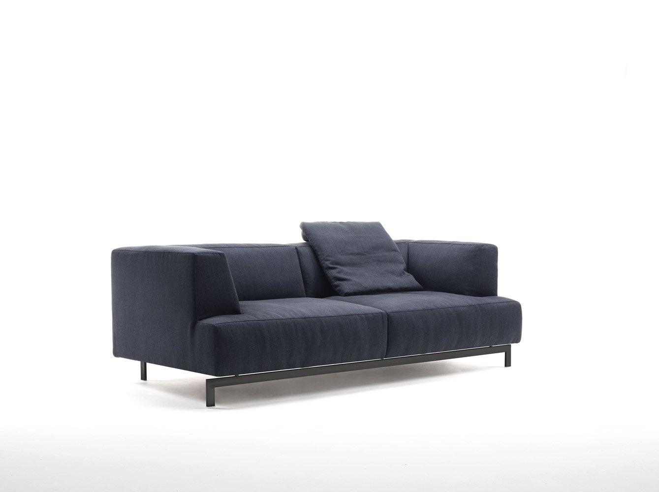 Divani tre posti divano metrocubo da living divani for Divani trento