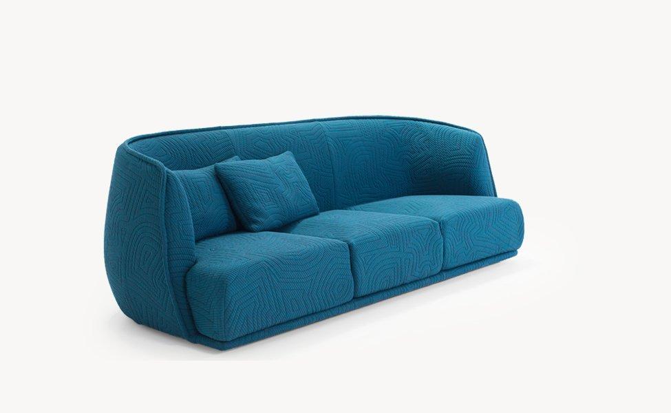 Three seater sofas sofa redondo by moroso for Sofa exterior redondo