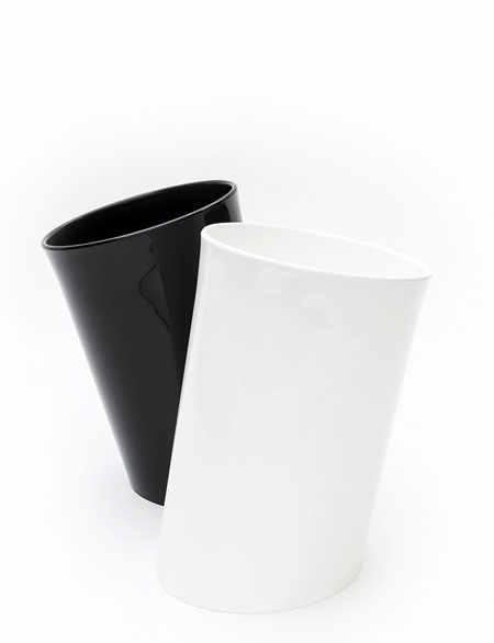 Wastepaper Basket In Attesa