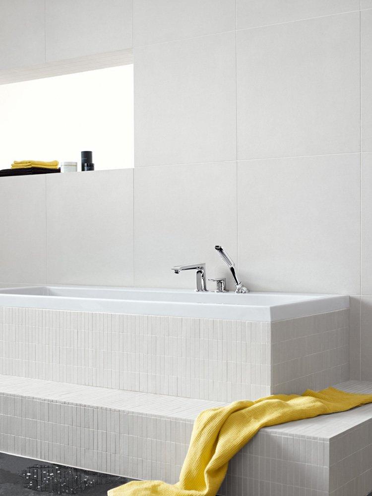 hansgrohe armaturen f r dusche und wanne badewannenarmatur metris designbest. Black Bedroom Furniture Sets. Home Design Ideas