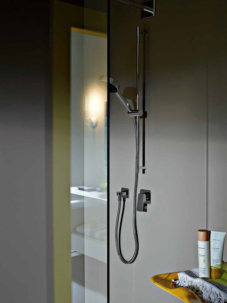 Gruppi doccia e vasca gruppo doccia jingle da zucchetti for Gruppo doccia