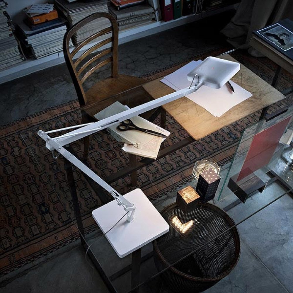 lampade da tavolo lampada kelvin led da flos. Black Bedroom Furniture Sets. Home Design Ideas