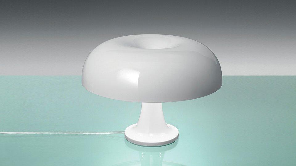 Lampade da tavolo lampada nessino da artemide for Artemide lampade roma