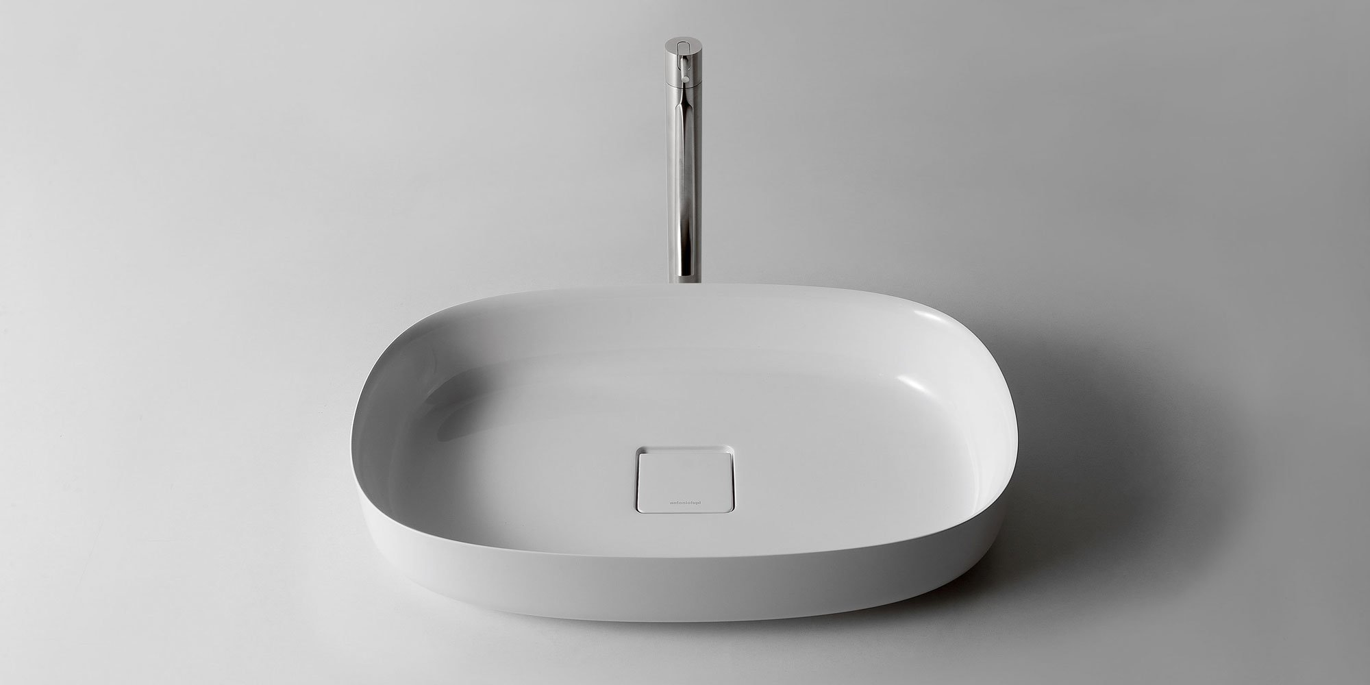 antonio lupi waschbecken waschtisch bolo designbest. Black Bedroom Furniture Sets. Home Design Ideas
