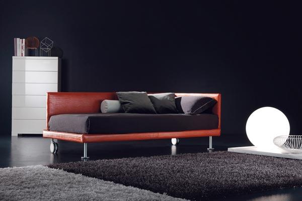 Letti singoli design divano letto imbottito con seconda for Divano seconda mano