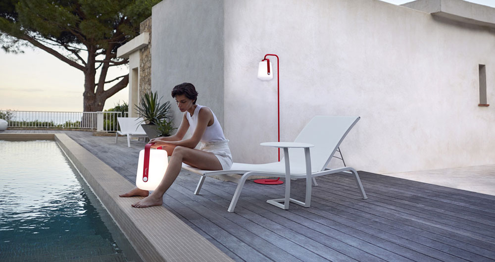 Sun beds and chaise longue sunbed aliz by fermob for Chaise longue fermob