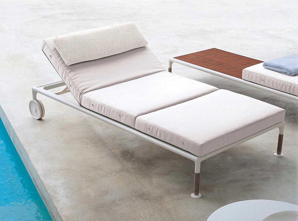 Catalogue chaise longue springtime b b italia designbest for Transats et chaises longues