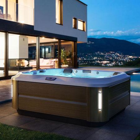 Hot tub J335