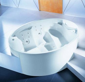 Whirlpool bathtun Winnipeg
