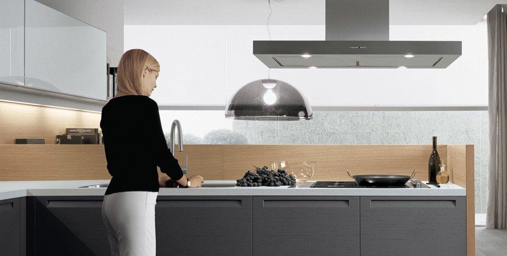 Mobili per cucina cucina minimal c da varenna poliform for Minimal home mobili