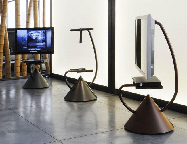 Mobili porta tv e hi fi porta tv hzps hotel zeus plasma stand da zeus - Meuble zeus ...