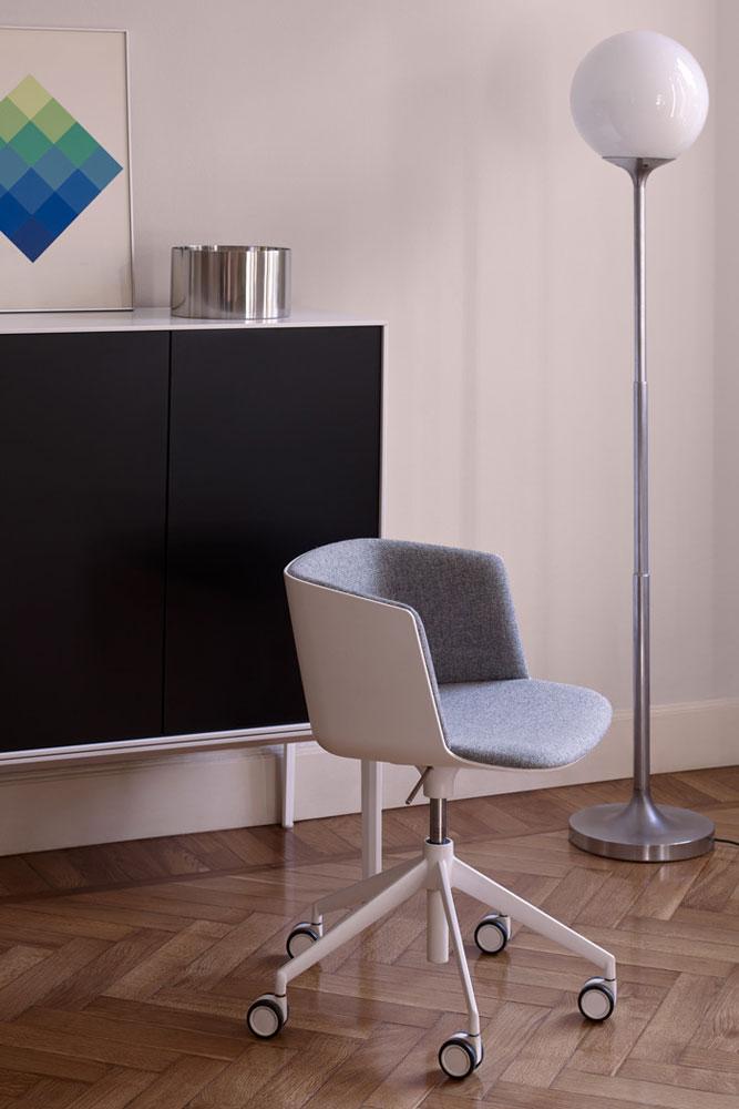 lapalma kleine sessel kleiner sessel cut designbest. Black Bedroom Furniture Sets. Home Design Ideas