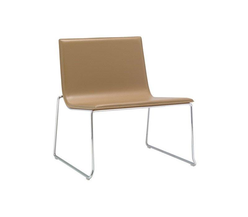andreu world kleine sessel kleiner sessel lineal designbest. Black Bedroom Furniture Sets. Home Design Ideas