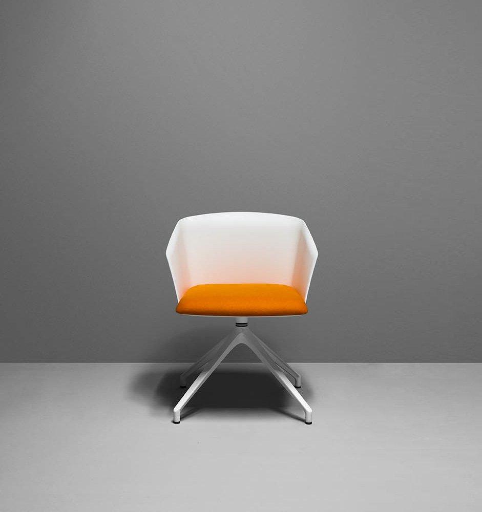 zanotta kleine sessel kleiner sessel liza designbest. Black Bedroom Furniture Sets. Home Design Ideas