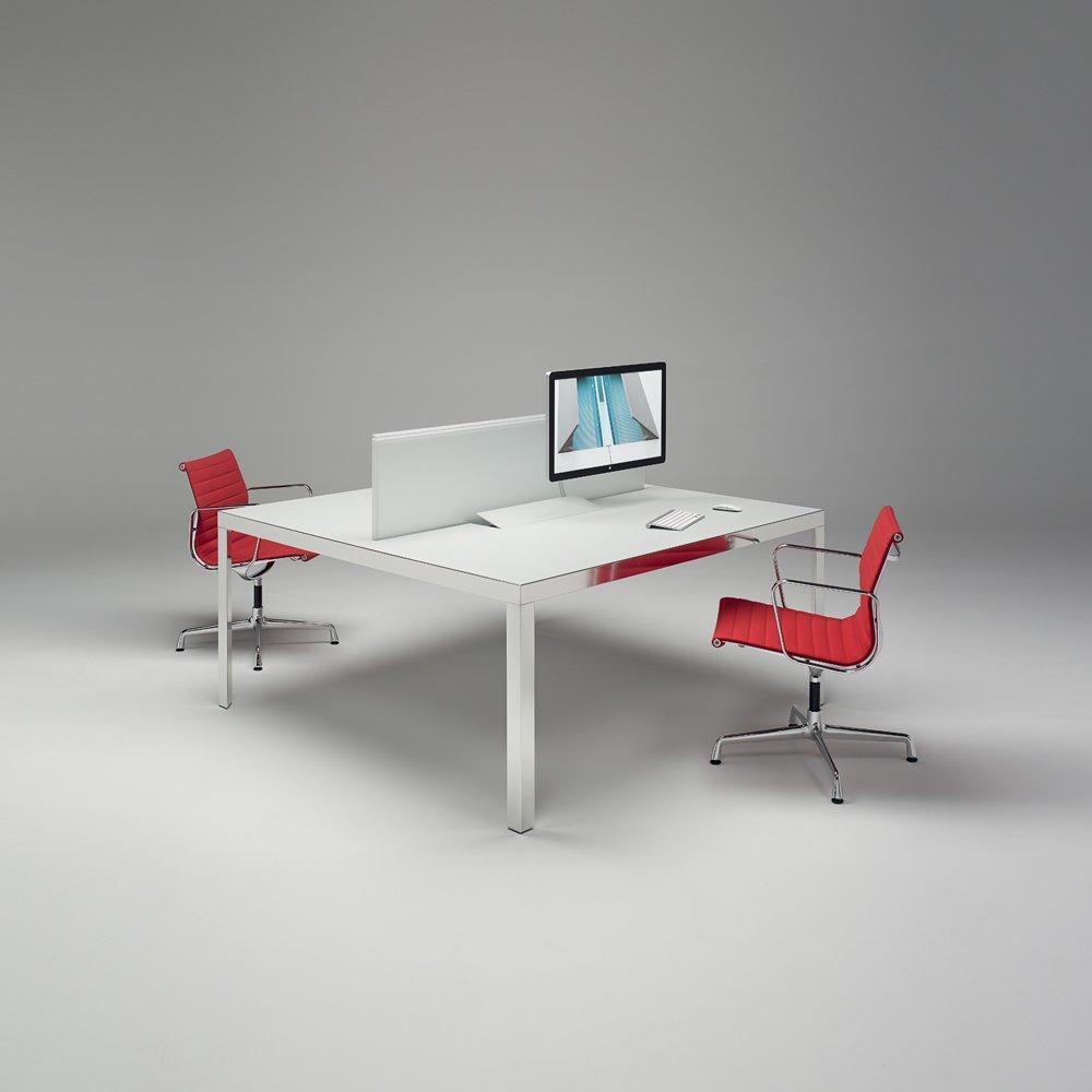 unifor schreibtische und arbeitstische schreibtisch na s. Black Bedroom Furniture Sets. Home Design Ideas