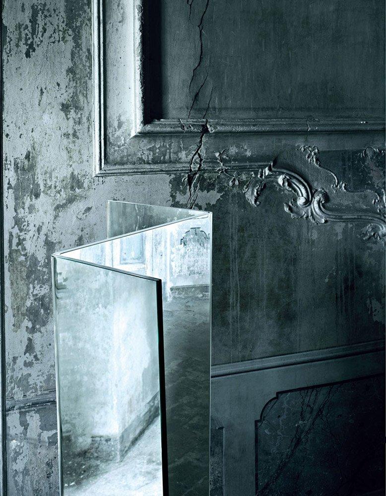 design wandspiegel beleuchtung quadrat form IMASSI Claudio Silvestrin GLAS ITALIA