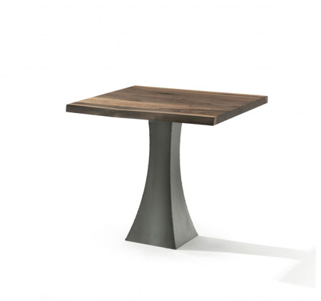Petite table Eiffel