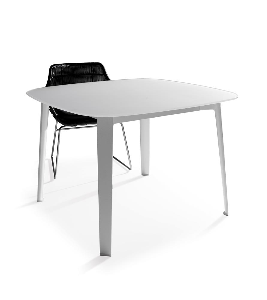 Tavolini da esterno tavolo gelso da b b italia for Tavolini da esterno