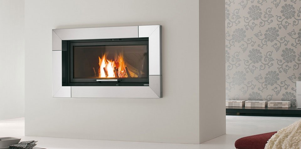 Termocamini e termostufe termocamino nairobi da palazzetti for Poele a granule encastrable