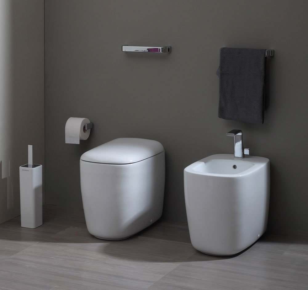 wc and bidets wc and bidet mon by flaminia. Black Bedroom Furniture Sets. Home Design Ideas