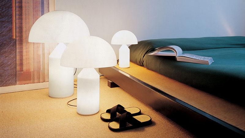 Atollo 235 designed by Vico Magistretti. Table lamp with diffused direct light. Diffuser in opaline Murano glass.