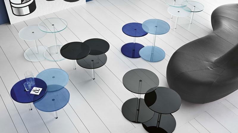 Composition de petites tables colorées Lens et Lenses