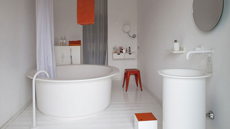 In-Out bathtub and washbasin - Bucatini mirror