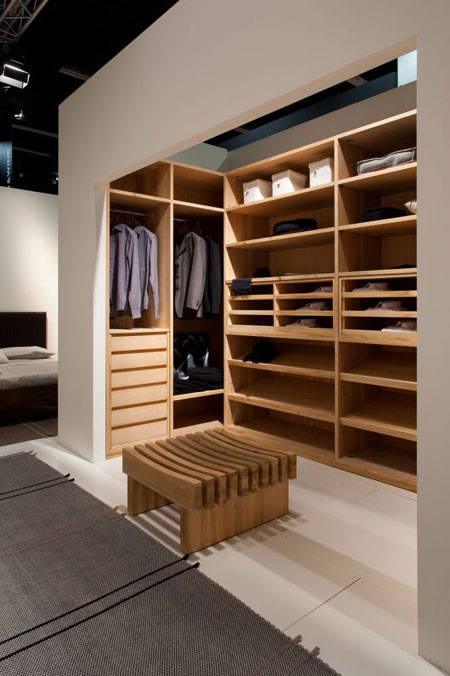 Walk-in closet Trust