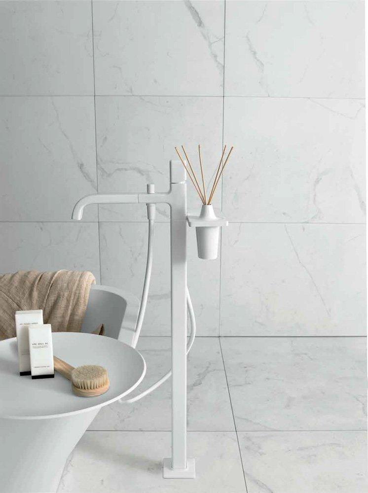 zucchetti armaturen f r dusche und wanne badewannenarmaturen faraway b designbest. Black Bedroom Furniture Sets. Home Design Ideas